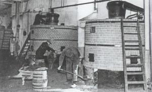 een blik in de oude stokerij -jaren 50-60 (Small)